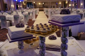 wedding cake stand with lights