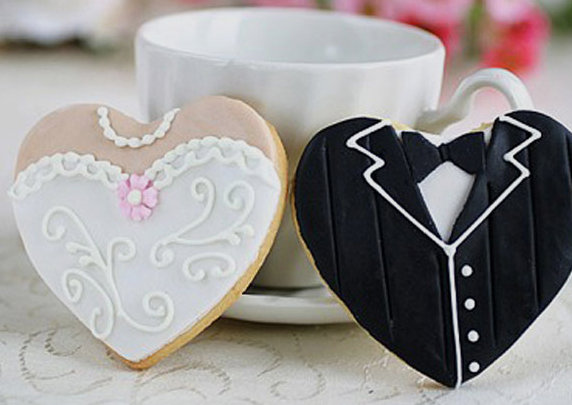 bride-and-groom-cookies