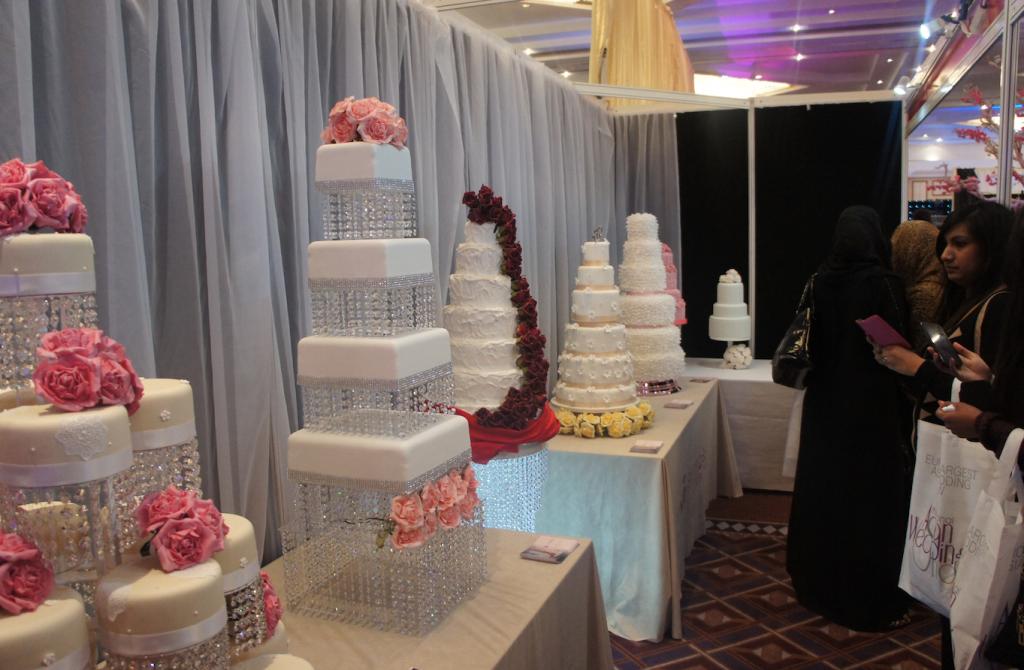 Glamorous-crystal-wedding-cake