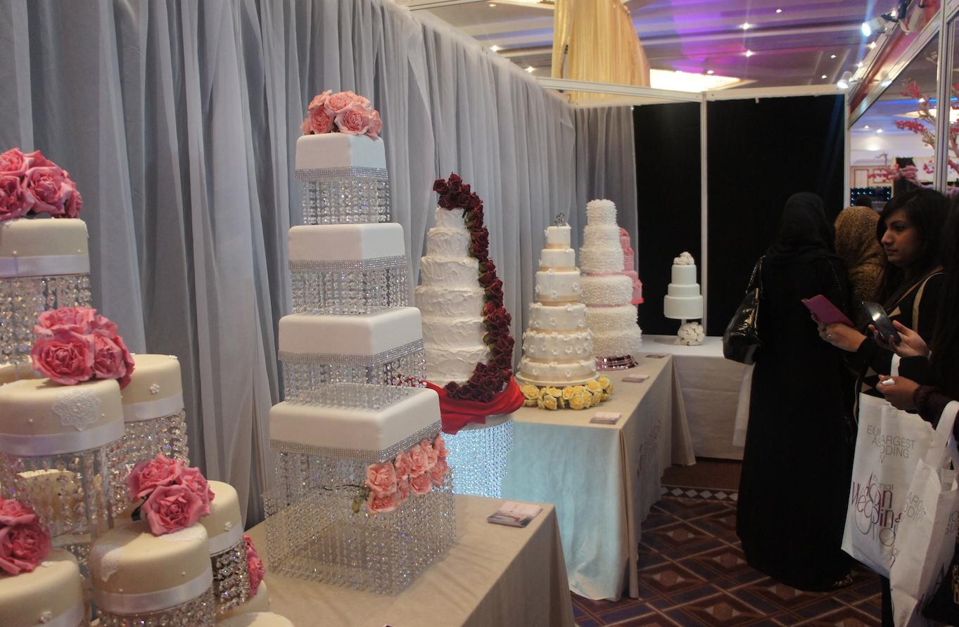 Cake For Mehndi Ceremony : Glamorous crystal wedding cake sugarbliss company