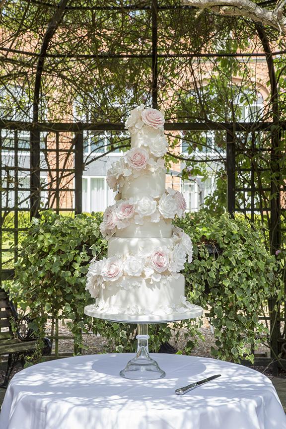 floral-spiral-wedding-cake