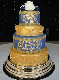 gold-pearl-wedding-cake