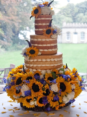 naked-wedding-cakes-flowers