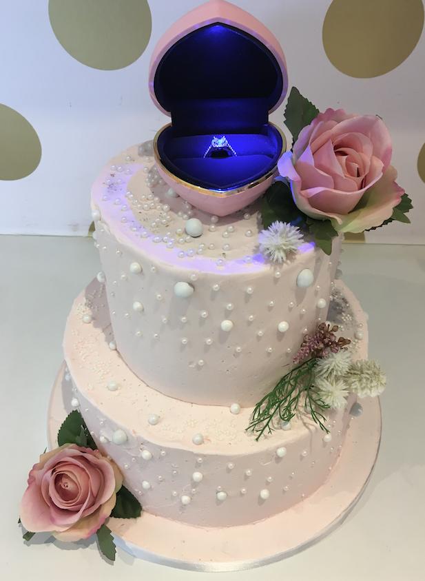 engagement wedding cakes