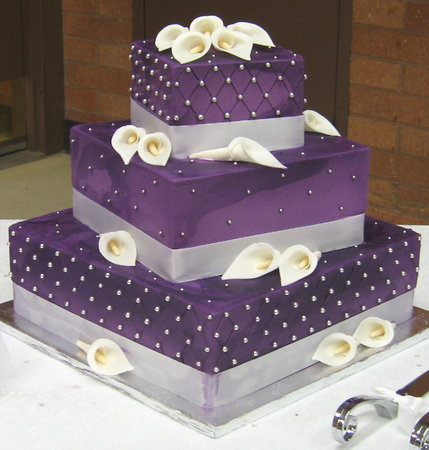 Purple pearl wedding cake